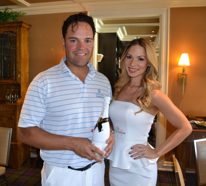 mike_piazza_and_chelsea_dawn