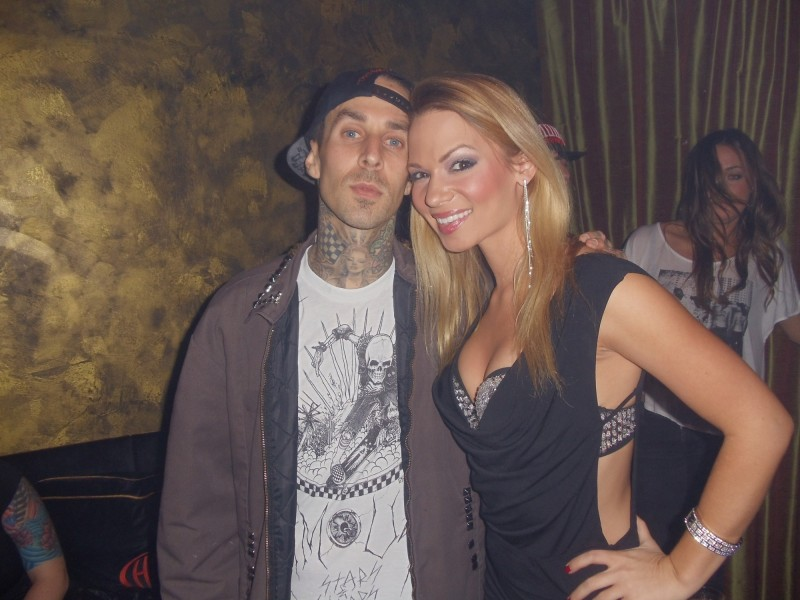 Travis_Barker_and_Chelsea_Dawn