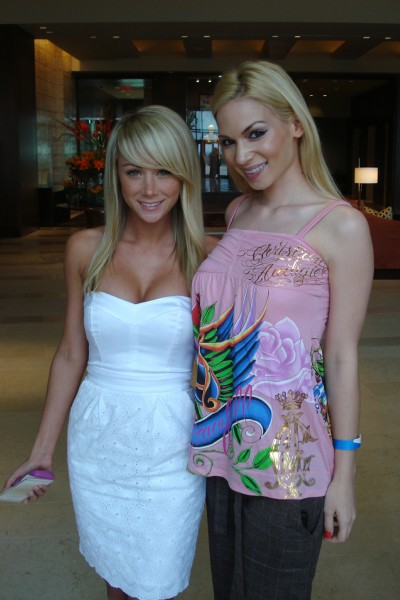 75_Sara_Jean_Underwood_and_Chelsea_Dawn